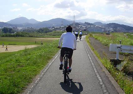 ... 自転車道(石川河川敷
